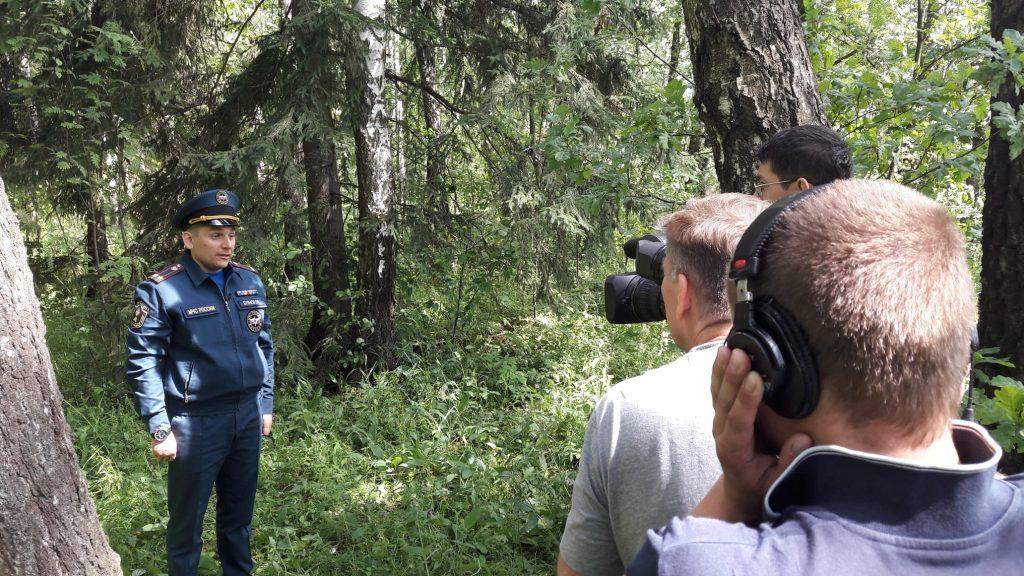 Начальник первого регионального отдела надзорной деятельности и профилактической работы подполковник внутренней службы Роман Буянов рассказал, как не потеряться в лесу. Фото предоставлено пресс-службой Управления МЧС по ТиНАО
