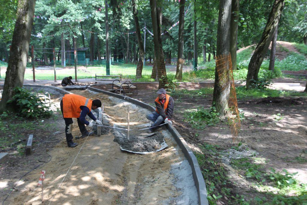 В парке усадьбы Троицкое идет реконструкция. Фото: Виктор Смольянинов