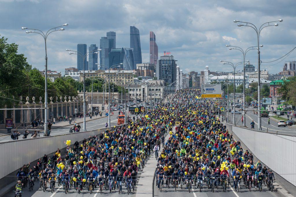 """10 тысяч москвичей приняли участие в велопараде. Фото: """"Вечерняя Москва"""""""