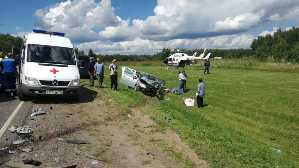 Четыре человека пострадали в аварии на Калужском шоссе, двое доставлены в больницу