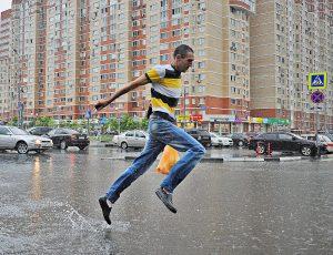 До 10 процентов месячной нормы осадков может выпасть в Москве за день