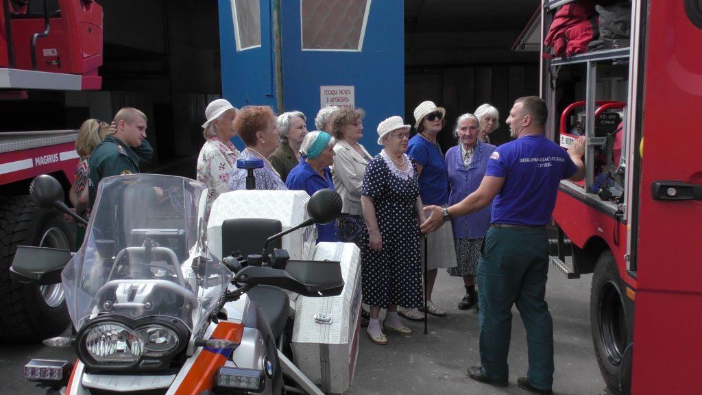 Спасатели напомнили пожилым людям о правилах пожарной безопасности