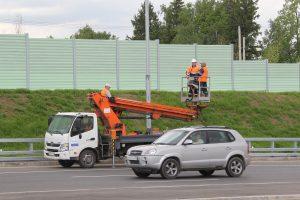 Движение ограничено до 30 июня 2018 года на участке Калужского шоссе с 20 по 49 километр из-за реконструкции. Фото: Владимир Смоляков