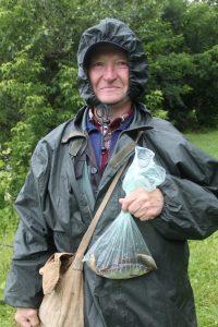 Участник турнира Евгений Ткачев (2) согласен с тем, что рыбалка для мужчины — лучший отдых. Как и другие участники. Фото Владимир Смоляков
