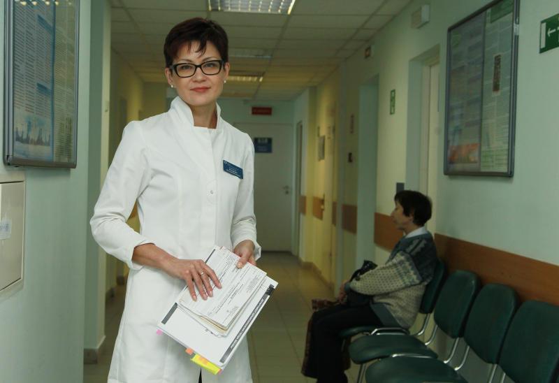 Более половины пациентов столичных поликлиник перешли на электронные медкарты