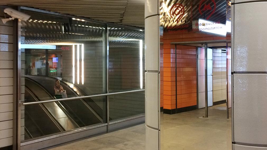 На станциях московского метро появятся новые большие зеркала