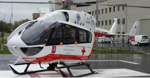 Вертолет эвакуировал ребенка, упавшего со второго этажа в Новой Москве