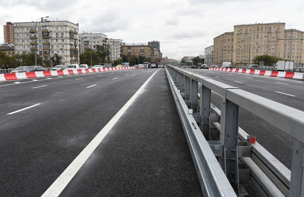 В сентябре на Варшавском шоссе Москвы откроют 850-метровую эстакаду