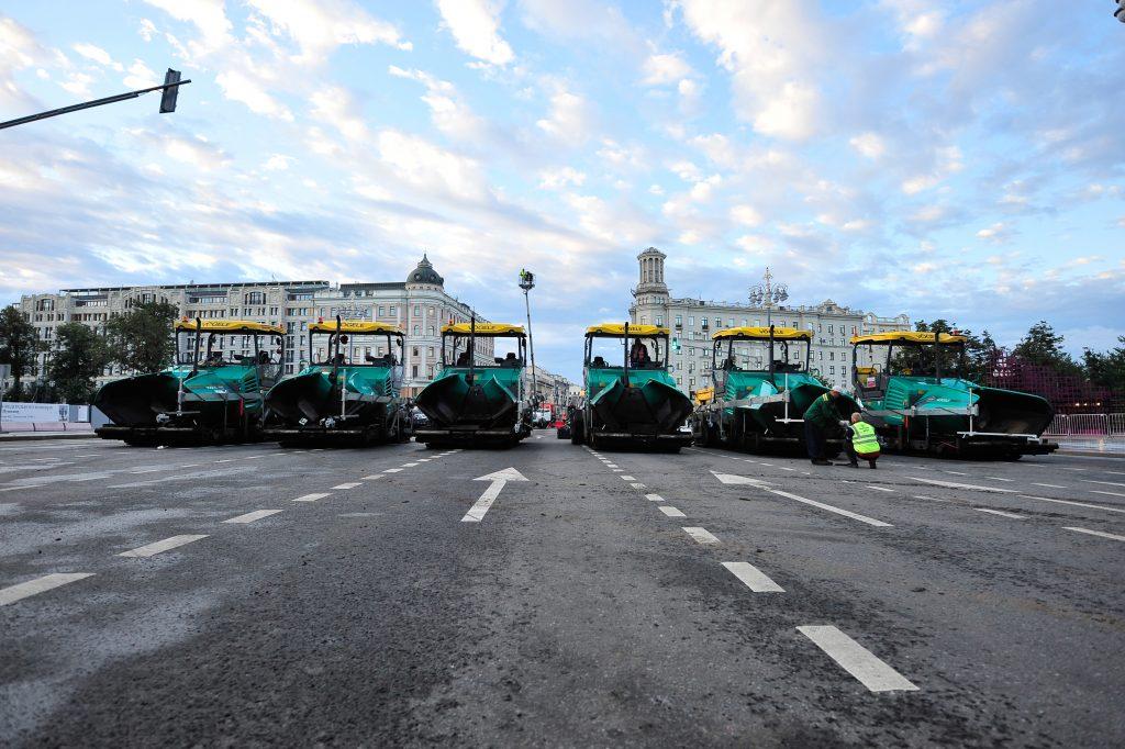 Асфальт на Тверской закончили укладывать раньше срока