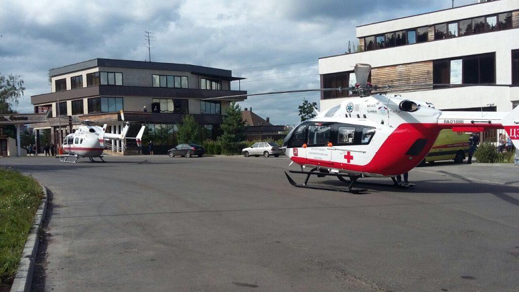 Две девушки выпали с балкона в Троицке
