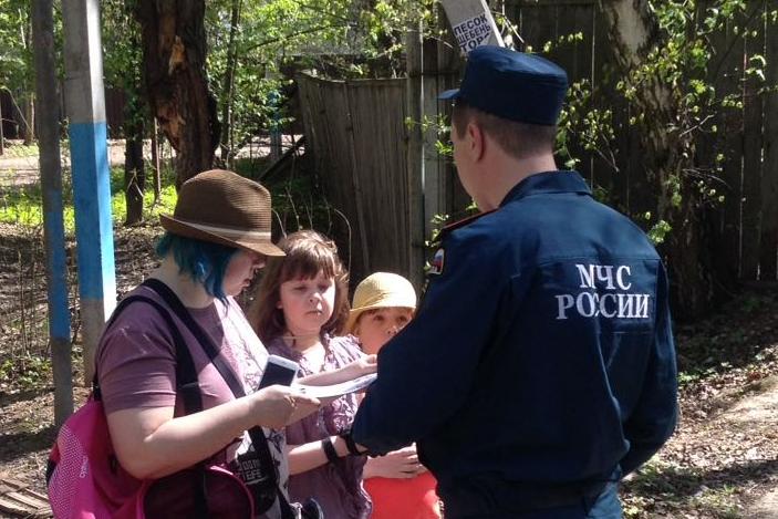 Обходы, беседы и памятки: профилактические мероприятия проводят спасатели в Новой Москве