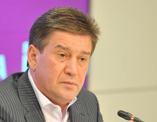 Руководитель Департамента труда и социальной защиты населения Москвы Владимир Петросян ответит на вопросы москвичей