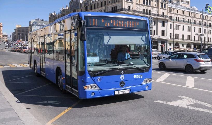 Новый автобус запустили от метро «Теплый Стан» до миграционного центра в Сахарове