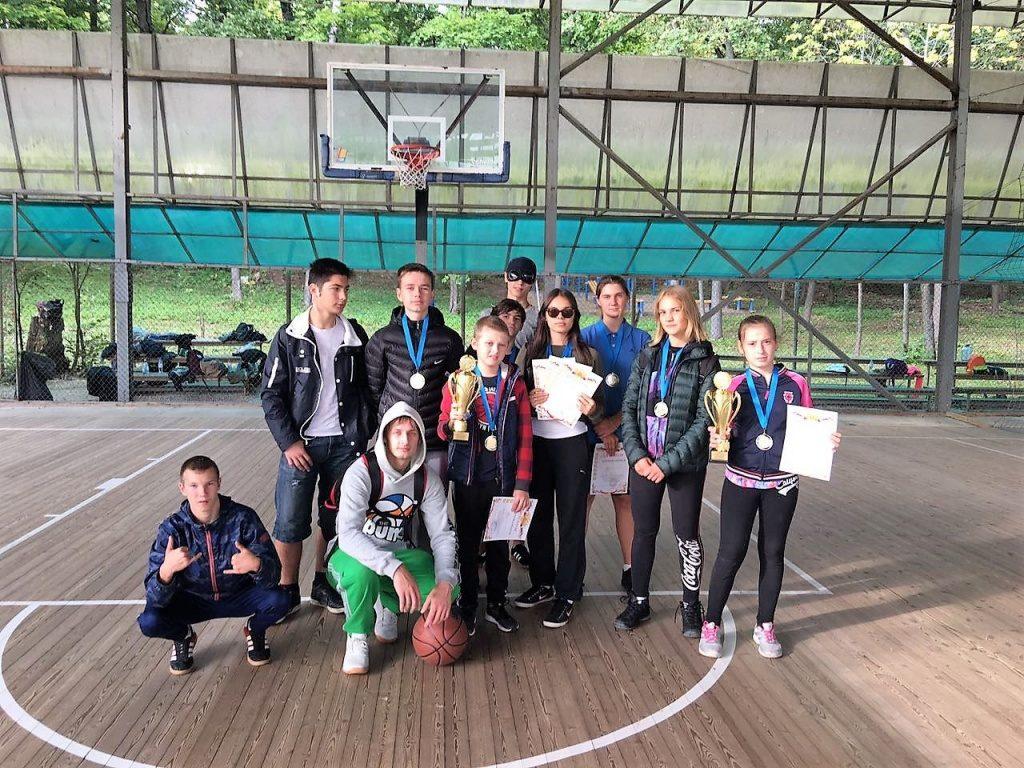 Стритболисты Сосенского заняли призовое место на окружных соревнованиях