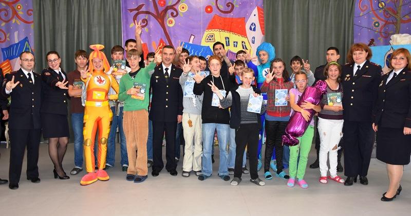 Сотрудники полиции посетили детский дом