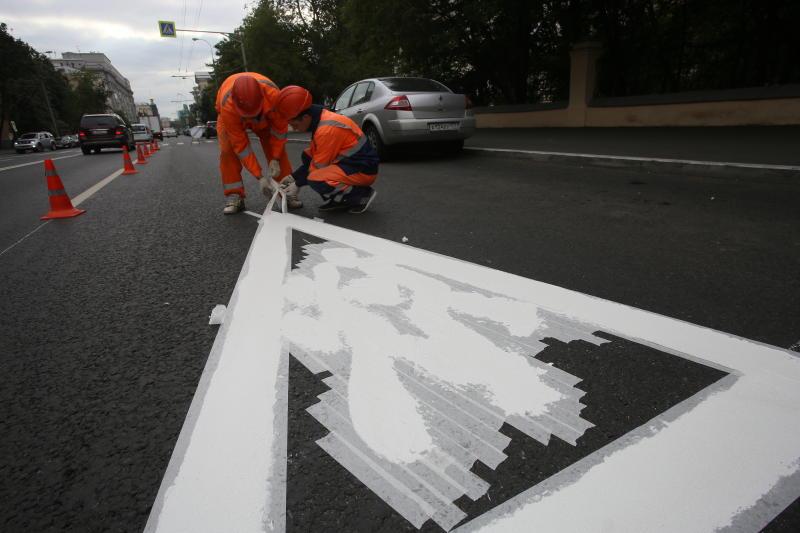 Дорожную разметку начали обновлять в Михайлово-Ярцевском
