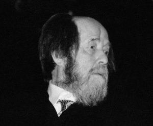 Возведение памятников Солженицыну и Айтматову одобрили в Москве