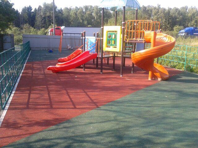 Детскую площадку благоустроили в Щаповском