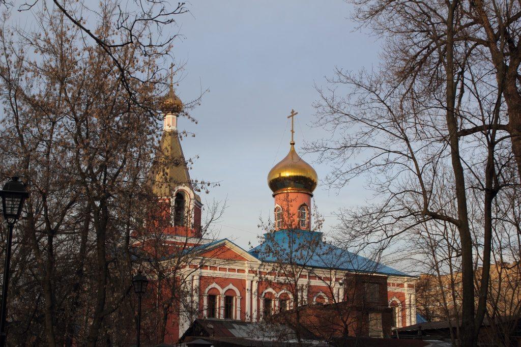 Специалисты Федеральной службы безопасности осмотрели храм в Кленовском
