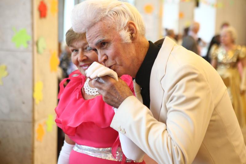Библиотека Рязановского проведет культурную программу ко Дню пожилого человека