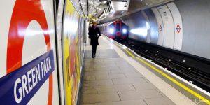 Тематический «русский» поезд запустили в метрополитене Лондона