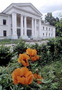 Дом творчества писателей. Там Николай Заболоцкий тоже жил некоторое время. Фото: Сергей Субботин, РИА Новости