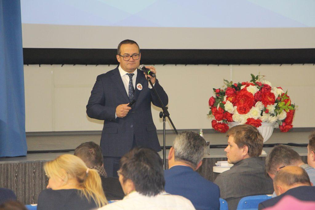 Префект ТиНАО Дмитрий Набокин провел встречу с жителями Сосенского