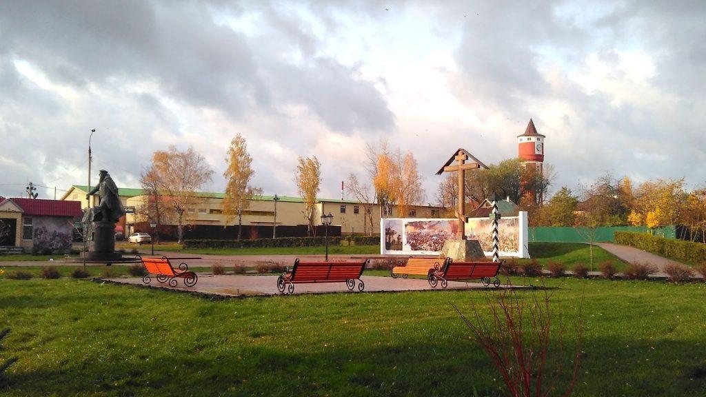 Благоустройство площади Кутузова в Краснопахорском завершилось