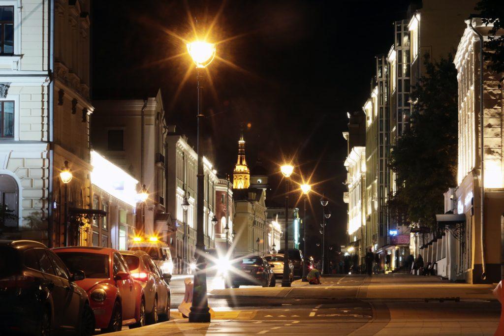 Более трех тысяч новых фонарей появилось на улицах города за 2017 год