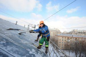 """Очистку крыш проконтролируют через систему видеонаблюдения. Фото: архив, """"Вечерняя Москва"""""""