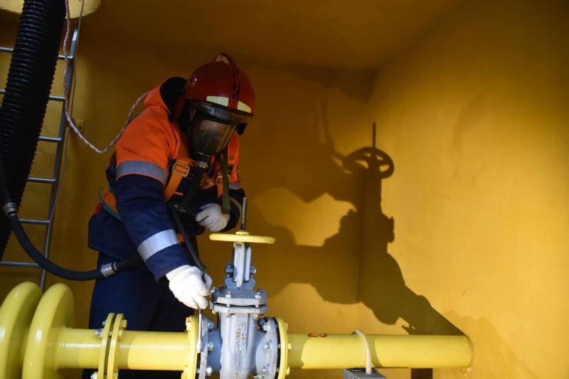 Сеть газоснабжения проложили к котельной рядом с парковкой в Сосенском