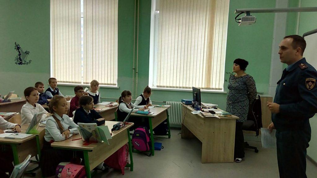 Юным новомосквичам рассказали о пожарной безопасности