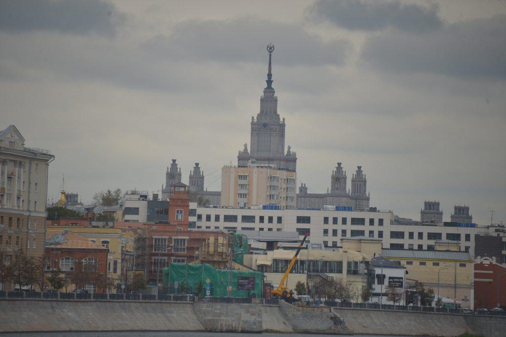 МЧС объявило экстренное предупреждение из-за ветра в Москве