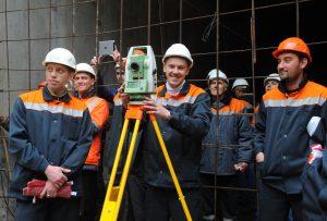За счет инвест-программы будет построено и запроектировано 600 различных объектов. Фото: Александр Кожохин
