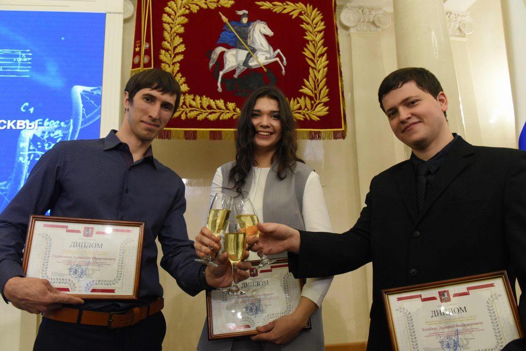 Грант в размере одного миллиона рублей смогут получить молодые ученые за разработки и исследования в 22 номинациях