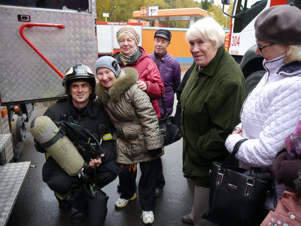 Ветераны побывали на экскурсии в пожарной части