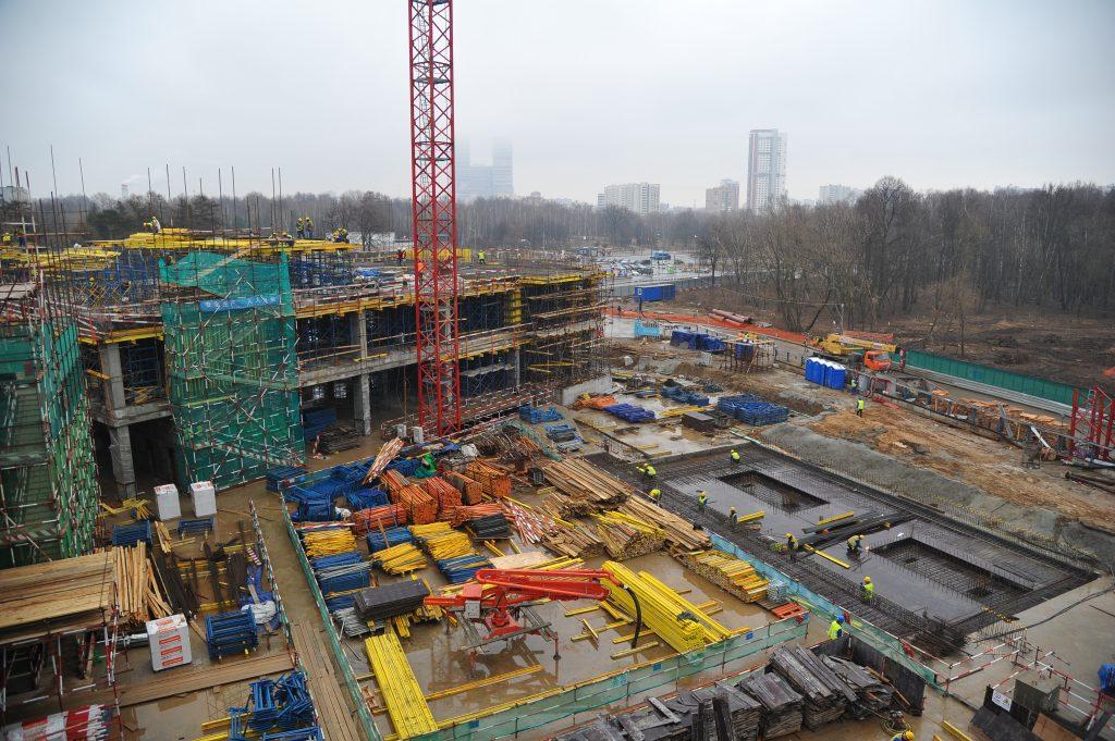 Борьба с долгостроем позволила сократить в Москве количество полузаброшенных объектов