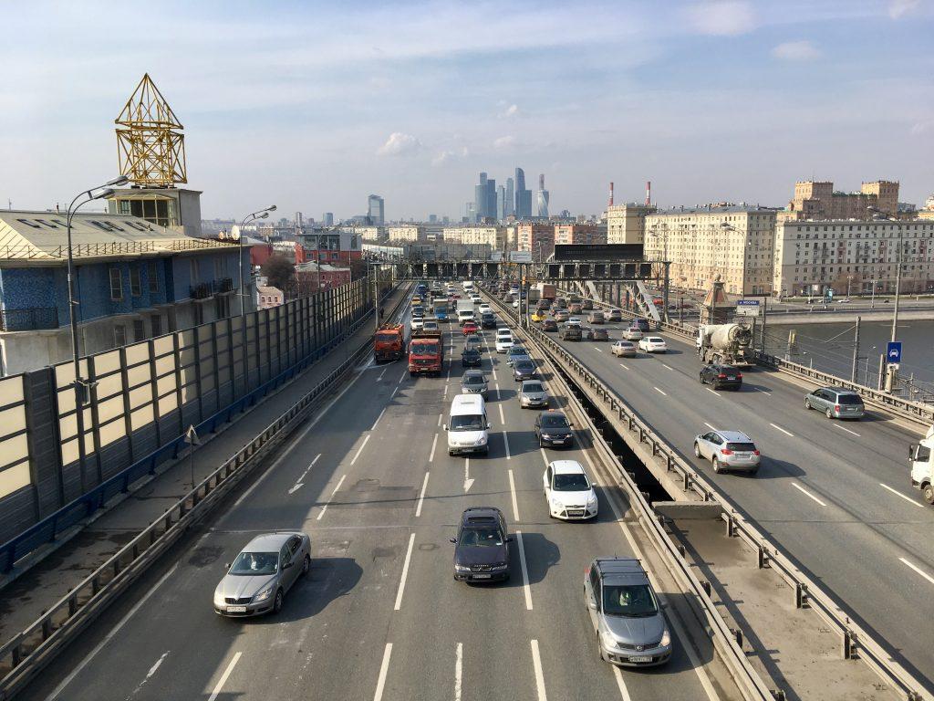 Москва заняла первое место в рейтинге городов с экологичными автомобилями