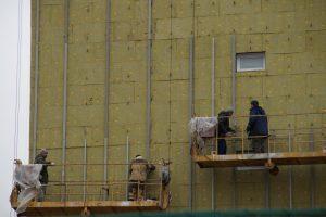 Ремонт фасада жилого дома завершат в Мосрентгене. Фото: администрация поселения Мосрентген