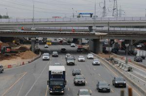 Две дороги в ТиНАО достроят до конца года. Фото: «Вечерняя Москва»