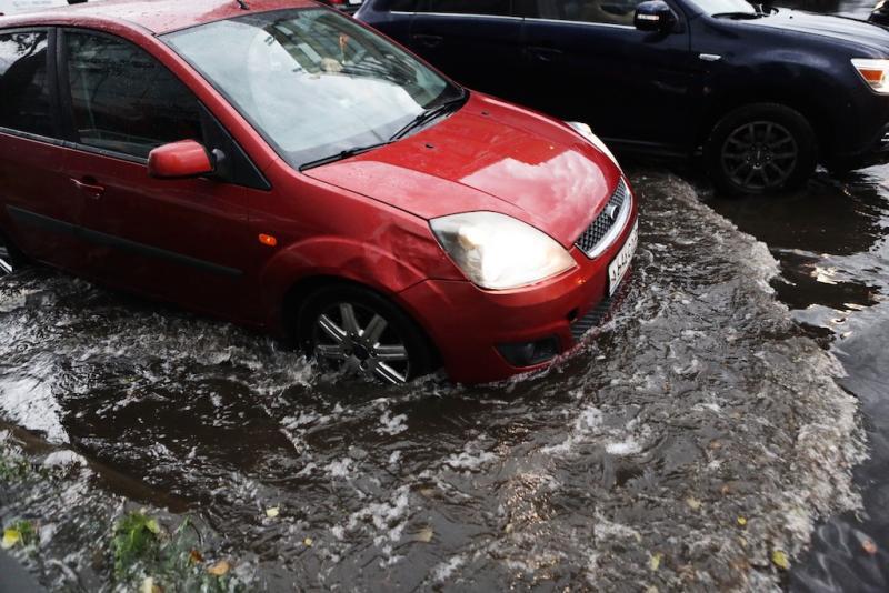 Госавтоинспекция рекомендует столичным водителям быть предельно осторожными на дороге