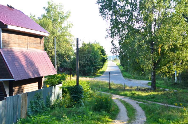 Жить в деревне - значит быть любопытным. Это данность