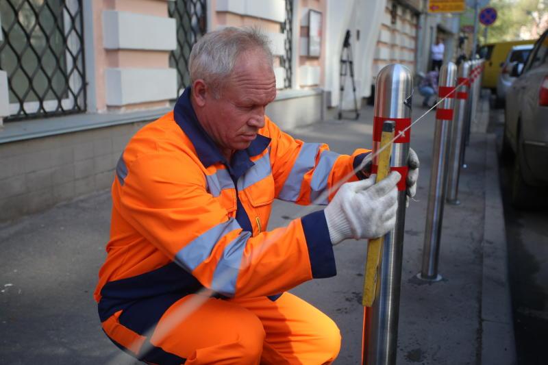 Более 250 парковочных столбов установили в Сосенском
