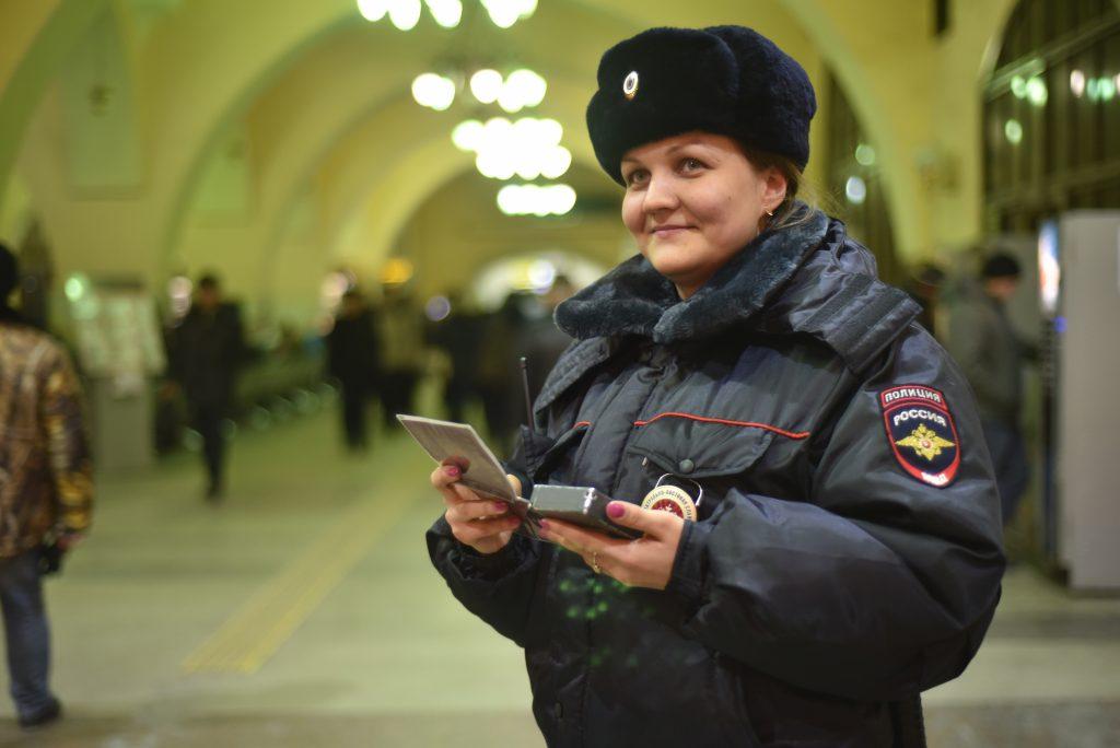 Сотрудники полиции сменили форму одежду на зимнюю
