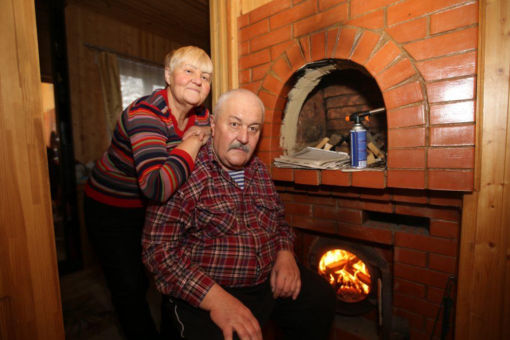 Семья Юрия и Татьяны Мешковых из деревни Фоминское. Фото: Владимир Смоляков