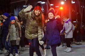 Порядка 200 катков с искусственным льдом появится в Москве
