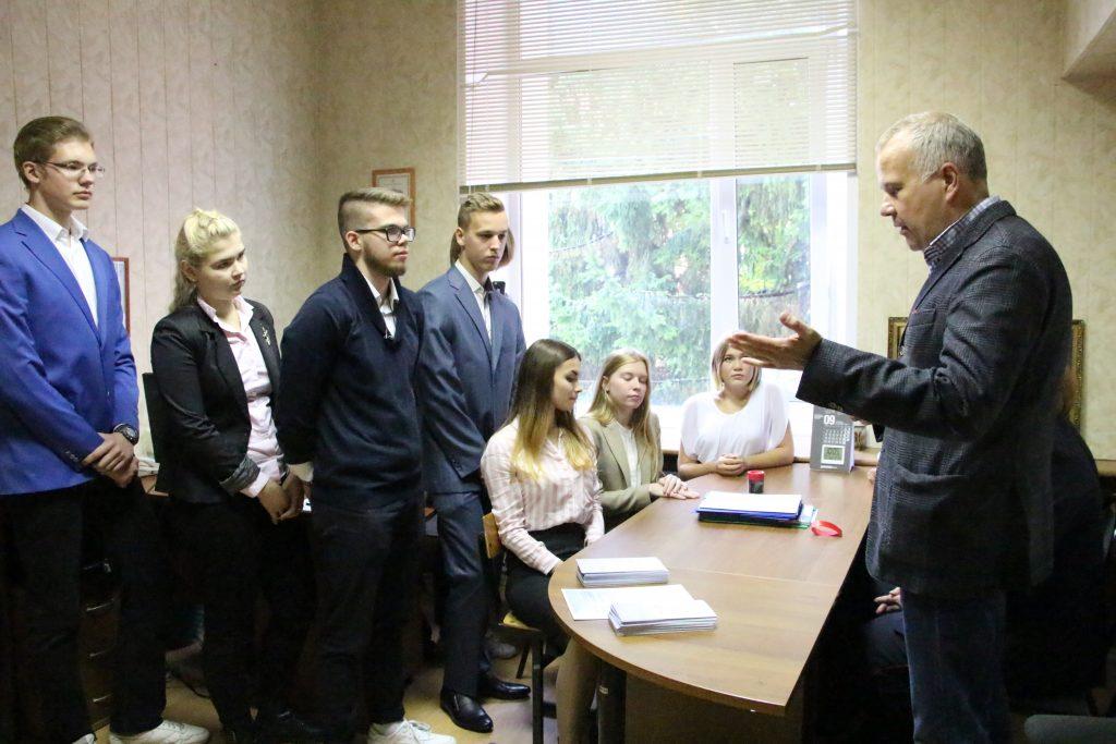 Юридическую консультацию оказали жителям Новой Москвы на Всероссийском Дне правовой помощи детям. Фото: пресс служба УВД по ТиНАО