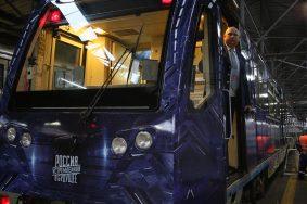 Тематический «Поезд будущего» запустили в метро Москвы