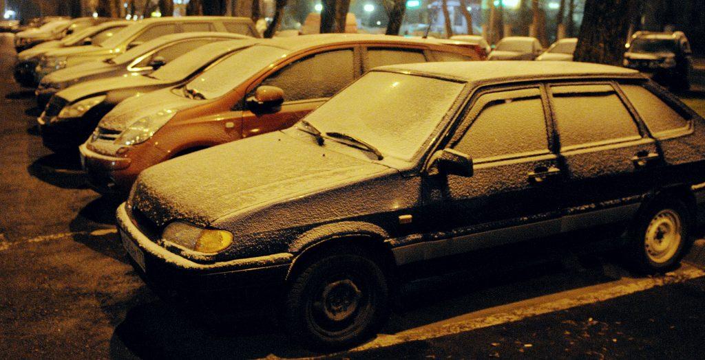 Московским водителям посоветовали быть аккуратнее с парковкой