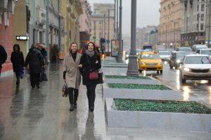 """Теплая и сырая погода сохранится на выходных. Фото: Светлана Колоскова, """"Вечерняя Москва"""""""
